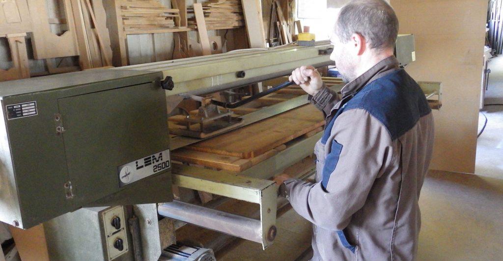 Fabrice Prioul dans son atelier du Val d'izé
