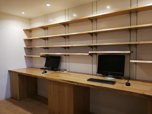 Bureau-bibliothèque-acacia