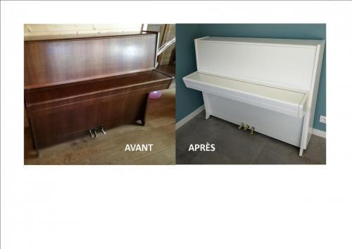 Piano-droit-blanc